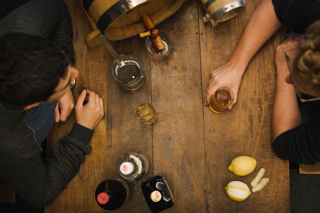 batching3 - getraenke gastronomie Geschmackvolle Akzente in Drinks setzen: So funktioniert das Barrel Aging