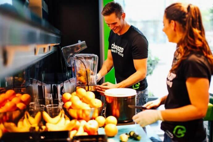 """choozo berlin 690x460 - gastronomie """"Entscheide dich, das Risiko zu tragen"""" – Über das neue Fit-Food-Konzept Choozo und seinen Gründer Mischa Rugolo"""