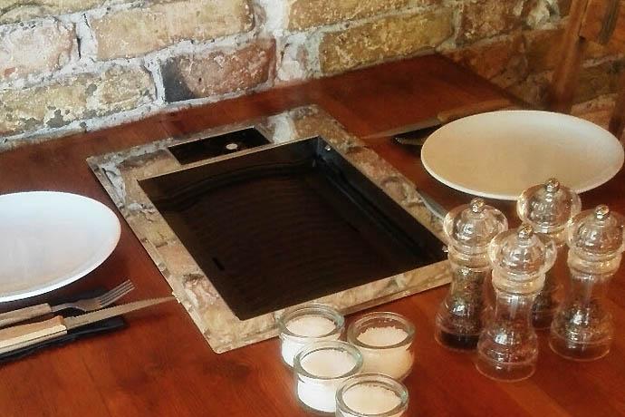 fes berlin grill - gastronomie Die grillen uns! 3 Selbstgrill-Restaurants in Berlin