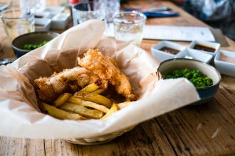 fish and chips 330x220 - streetfood, gastronomie, food-nomyblog Freddy Fey's Fish and Fries: Barkin' Kitchen bringt den Snack-Klassiker nach Berlin