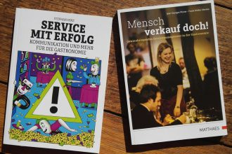 """service mit erfolg mensch verkauf doch 330x220 - medien-tools Buchtipps für die Gastronomie: """"Service mit Erfolg"""" und """"Mensch verkauf doch!"""""""