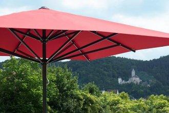 supremo caravita 330x220 - medien-tools, gastronomie Den passenden Sonnenschirm für die Gastronomie auswählen: Darauf sollten Sie achten
