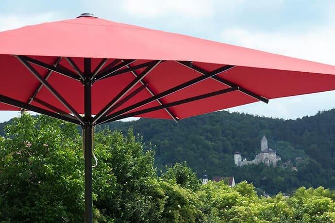supremo caravita - medien-tools, gastronomie Den passenden Sonnenschirm für die Gastronomie auswählen: Darauf sollten Sie achten