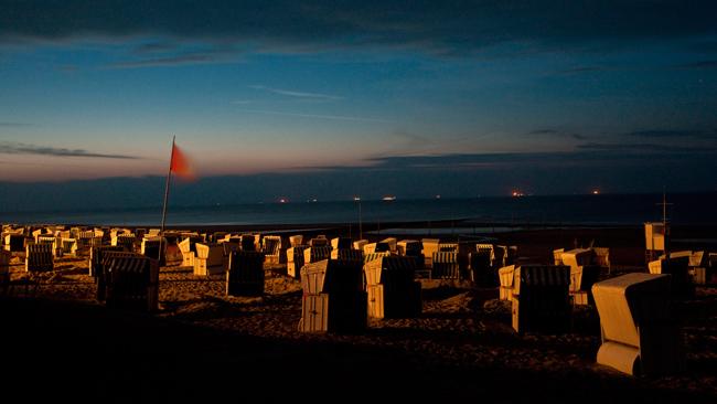 wangerooge - getraenke gastronomie nomyblog Ein Prost auf die Nordsee: Anstoßen mit Jägermeister-Bowle in der Giftbude auf Wangerooge