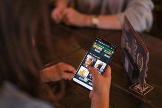 wayter smartphone 330x220 - personal, medien-tools, management, gastronomie Kleines Terminal, großer Effekt: wayter hilft, das Serviceproblem in der Gastronomie zu lösen
